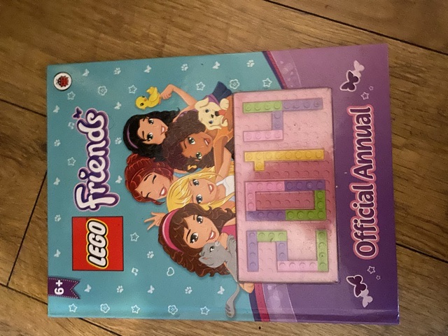 2014 Lego friends annual like new